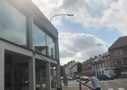 Laveur de vitres Anderlues magasin de meubles Tricot Rose