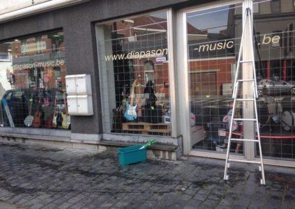 Le coup de raclette.NET laveur de vitres laveur de carreaux nettoyage de vitres 7100 La Louviere Rue de Brouckère Diapason music