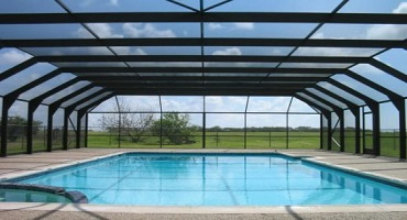 Nettoyage abris de piscine à l'eau ultra pure