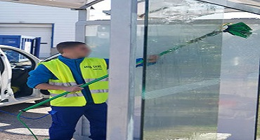 Nettoyage abribus à l'eau ultra pure