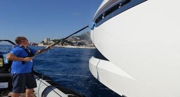 Nettoyage de coques de bateaux & navires à l'eau ultra pure