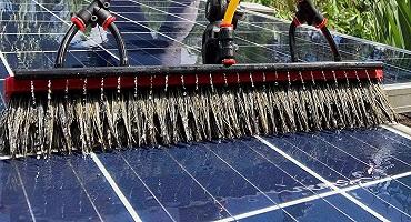 nettoyage de panneaux solaires thermiques à l'eau ultra pure