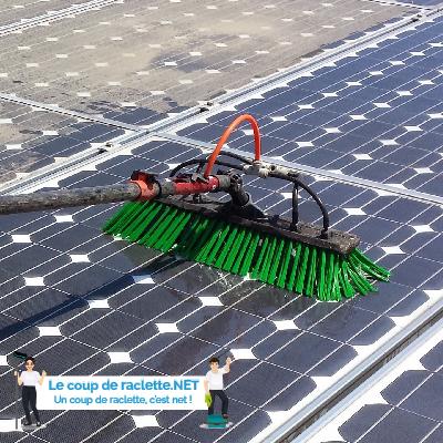 Image de nettoyage de panneaux photovoltaïques